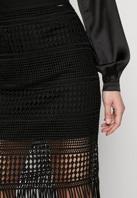 Guess - EDITH SKIRT - Blyantnederdel / pencil skirts - jet black - 4