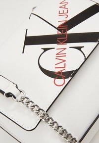 Calvin Klein Jeans - SQUARE FLAP XBODY - Across body bag - white - 2