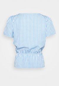 Vila - VIGRIMDA BELT - Print T-shirt - blue/white - 1
