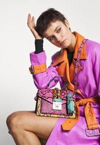 ALDO - MARTIS - Bolso de mano - multicoloured - 1