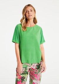 Gerry Weber - Basic T-shirt - botanical - 0