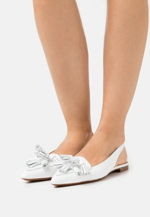 EMBOSSED  FLAT - Slingback ballet pumps - white