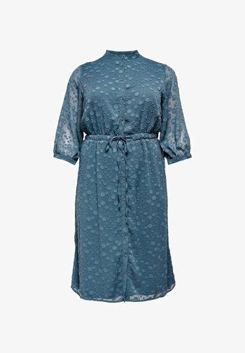 ONL BEDRUCKTES CURVY - Shirt dress - ensign blue