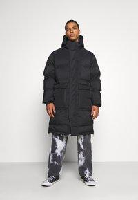 Weekday - JAY PUFFER JACKET - Zimní kabát - black - 0