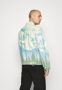 Jaded London - ALASKA LANDSCAPE WESTERN JACKET - Denim jacket - multi-coloured - 2