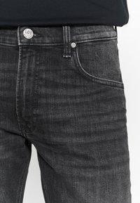 Lee - DAREN - Jeans straight leg - worn magnet - 5