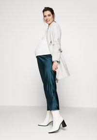 Topshop Maternity - MAXI - Pencil skirt - petrol - 1