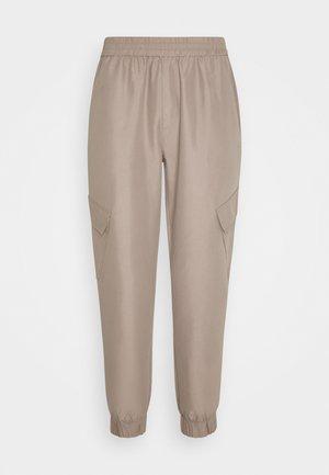 TROOPER PANTS - Cargo trousers - driftwood