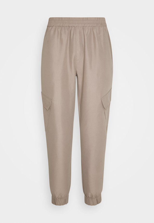 TROOPER PANTS - Cargo trousers - driftwood