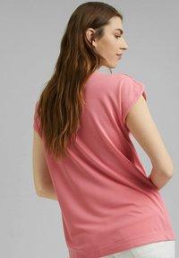 Esprit - FASHION - Basic T-shirt - coral - 2