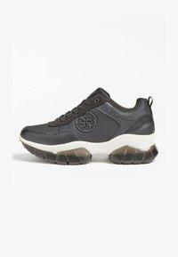 Guess - DREAMER 4G LOGO - Sneakers basse - schwarz - 0