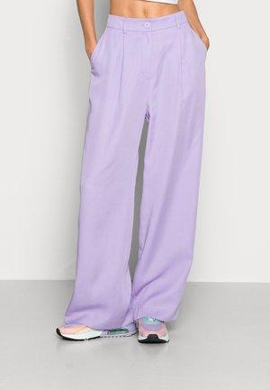 DANNY TROUSERS - Pantaloni - lilac