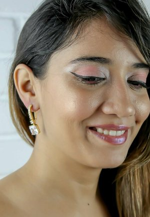 BENARES  - Earrings - white