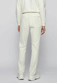 BOSS - BROAD - Trousers - natural - 2