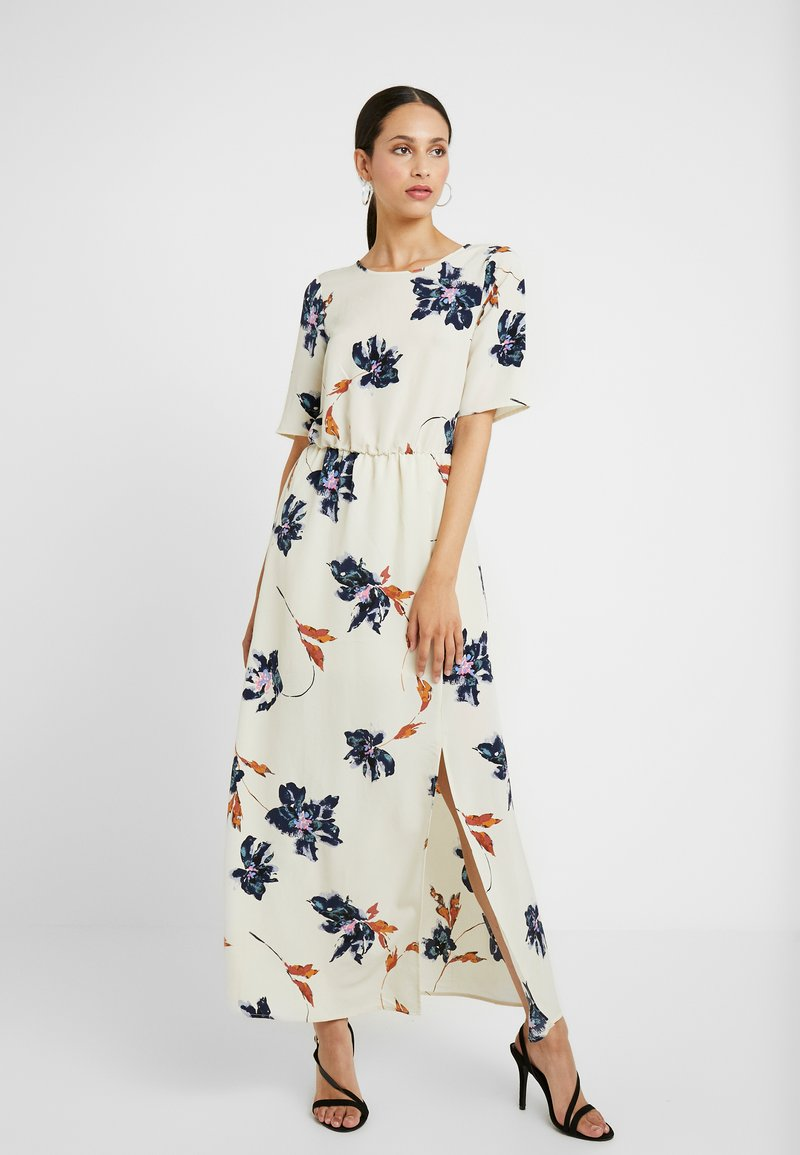 Vero Moda Tall - VMKIMMIE ANCLE DRESS - Maxi šaty - birch/kimmie
