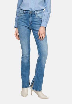 MIT BOOTCUT LEG - Bootcut jeans - blue