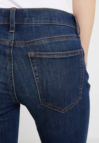 GAP - ASTOR - Jeans straight leg - dark indigo - 4