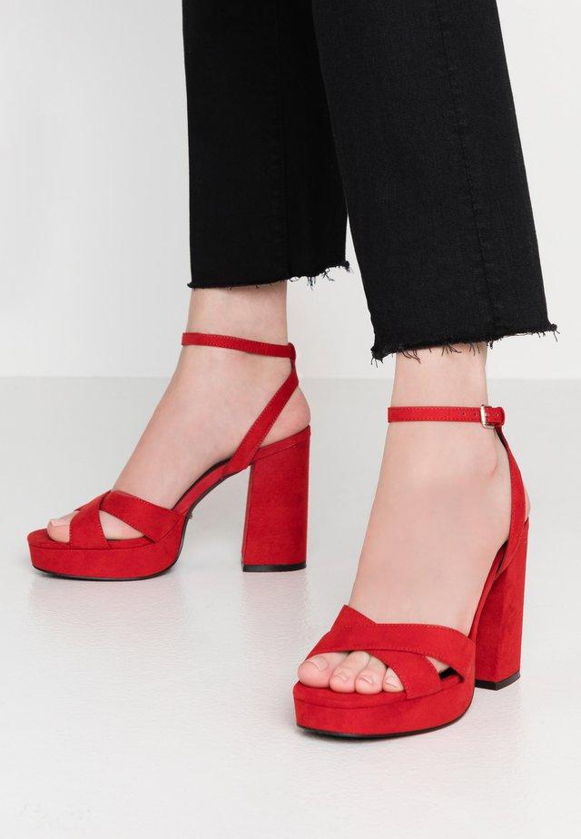 ONLAERIN CHECK - Sandalen met hoge hak - red