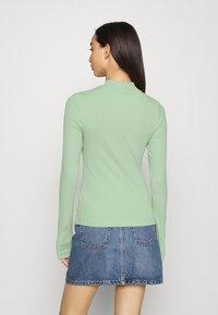Weekday - VERA MOCKNECK - Long sleeved top - green - 2