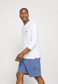 adidas Originals - ABSTRACT SHORT R.Y.V. ORIGINALS SHORTS - Shorts - crew blue - 3