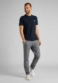 Lee - SS SMALL - Basic T-shirt - sky captain - 1