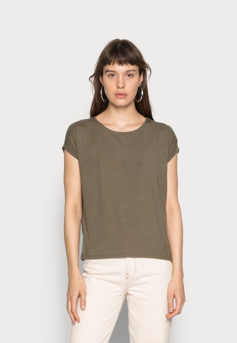 Vero Moda - T-shirt - bas - ivy green