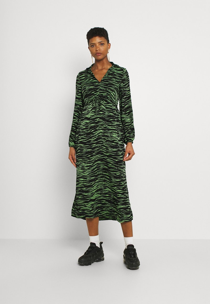 Vero Moda - VMMELLA COLLAR DRESS - Maxi dress - black