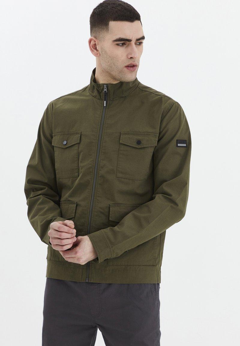 Solid - Light jacket - ivy green