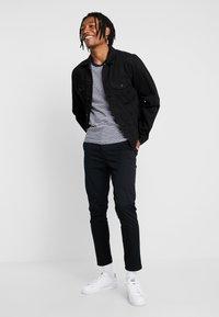 New Look - PLAIN CROP - Chinos - black - 1