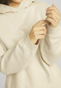 TOM TAILOR DENIM - Hoodie - soft creme beige - 4