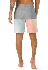 Vans - MN HALFSIES BOARDSHORT - Shorts - pewter/gradient - 1