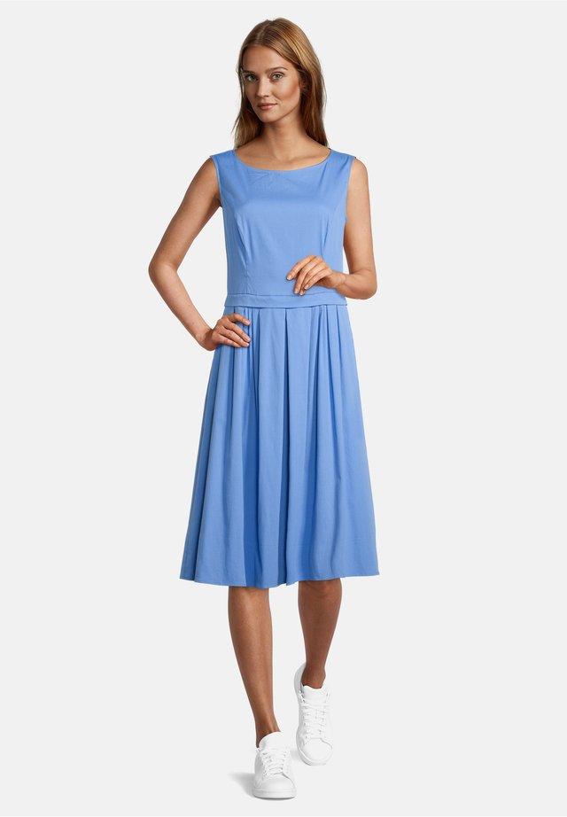 Day dress - hyacinth blue