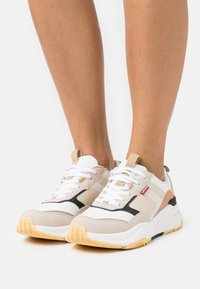 Levi's® - WEST - Trainers - beige - 0