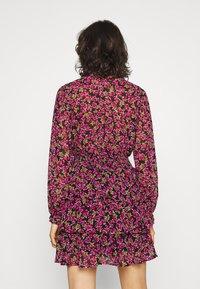 Gina Tricot - ALEXANDRA DRESS - Sukienka letnia - cabaret blossom - 2