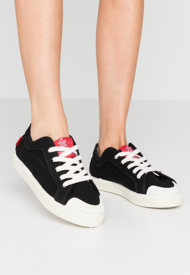 RILEY - Trainers - black/offwhite