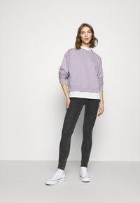 Levi's® - DIANA CREW - Sweatshirt - heather lavender frost garment - 3