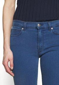 HUGO - CHARLIE CROPPED - Jeans Skinny Fit - light/pastel blue - 6