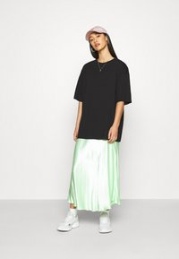 Monki - CISSI TEE - Print T-shirt - black - 1