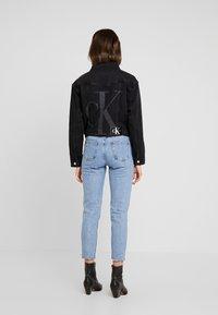 Calvin Klein Jeans - CROPPED FOUNDATION TRUCKER - Chaqueta vaquera - copenhagen black - 3