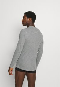 Jack & Jones - JACHENRIK HENLEY - Pyžamový top - grey melange - 2