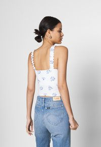 Hollister Co. - RUFFLE STRAP CAMI - Topper - white - 2