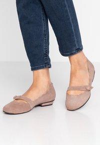Brenda Zaro - CARLA - Ankle strap ballet pumps - taupe - 0