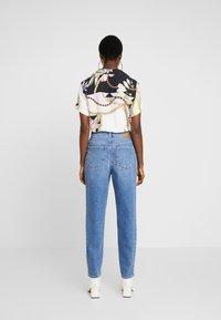 Mavi - STELLA ON MANNEQUIN - Straight leg jeans - light blue denim - 2
