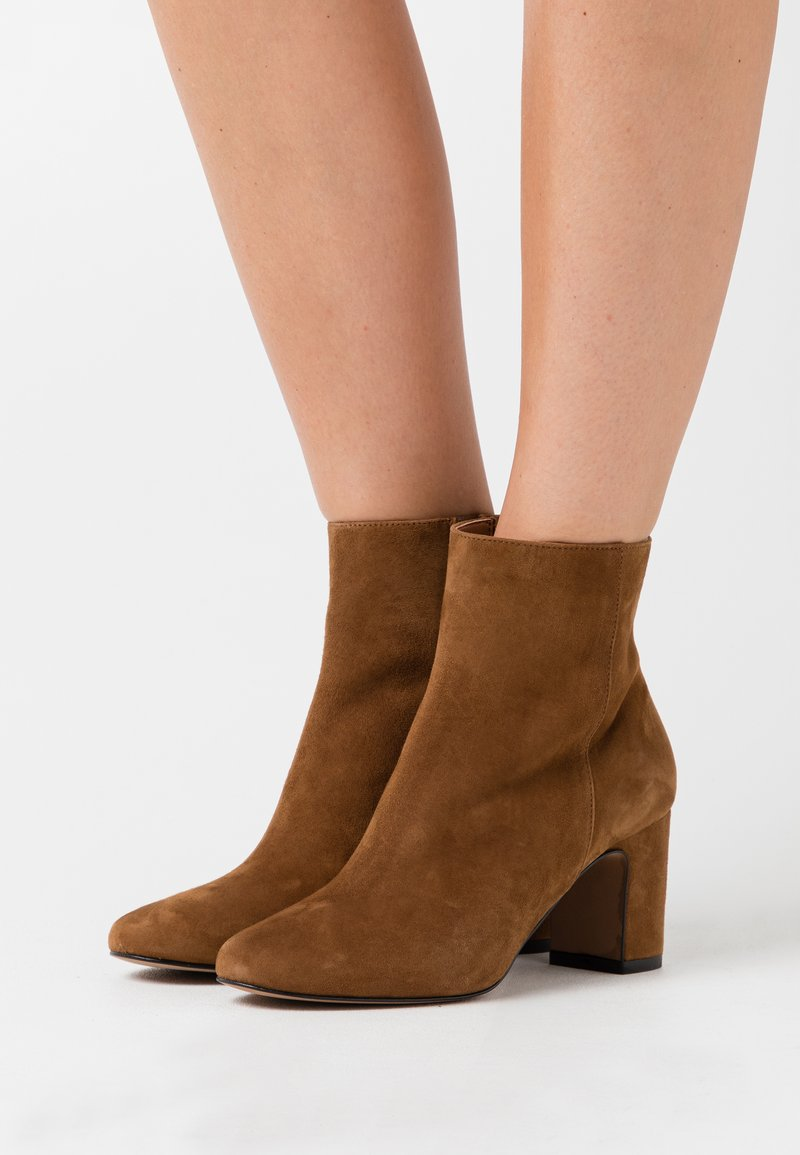 Bianca Di - Classic ankle boots - rodeo