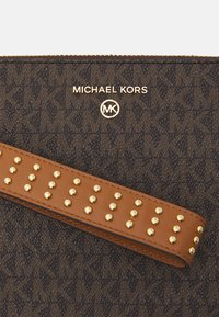 MICHAEL Michael Kors - JET SET CHARM - Wallet - acorn - 4