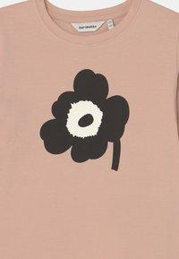 Marimekko - OULI UNIKKO PLACEMENT - Long sleeved top - light peach/black/off white - 2
