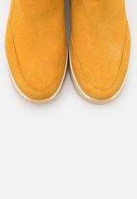 Tamaris Pure Relax - Ankle boots - saffron - 5