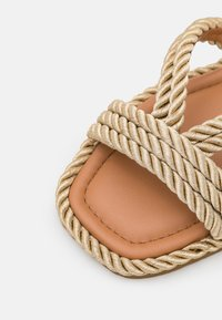 kate spade new york - CAPTAINS - Mules - gold - 6