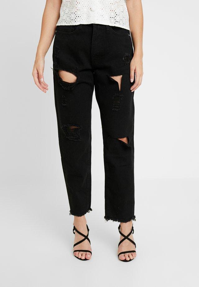 RIOT HIGH RISE MOM - Straight leg -farkut - washed black