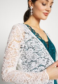 Vila - VIFAITH BOLERO - Cardigan - snow white - 4